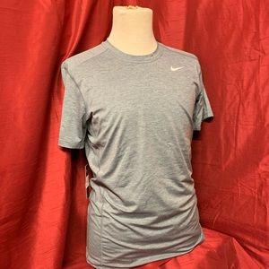 """Nike """"tight fit"""" """"dri-fit"""" Medium Men's Shirt"""
